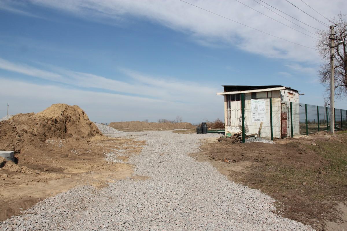 Территория будущего детского саданапересечении двух улиц: Первомайской и 8 Марта