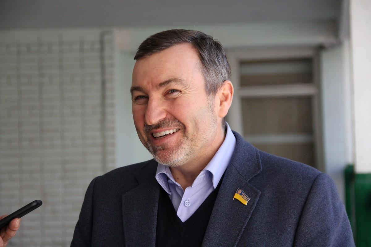 В хорошем расположении духа депутат рассказал о том, какой видит Украину после выборов