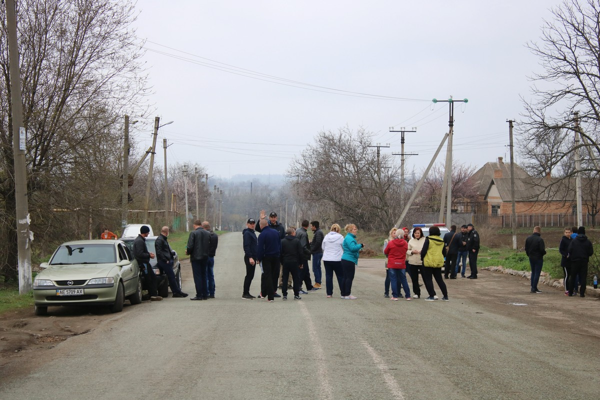 Сегодня машины и автобусы объезжали село Чкалово стороной
