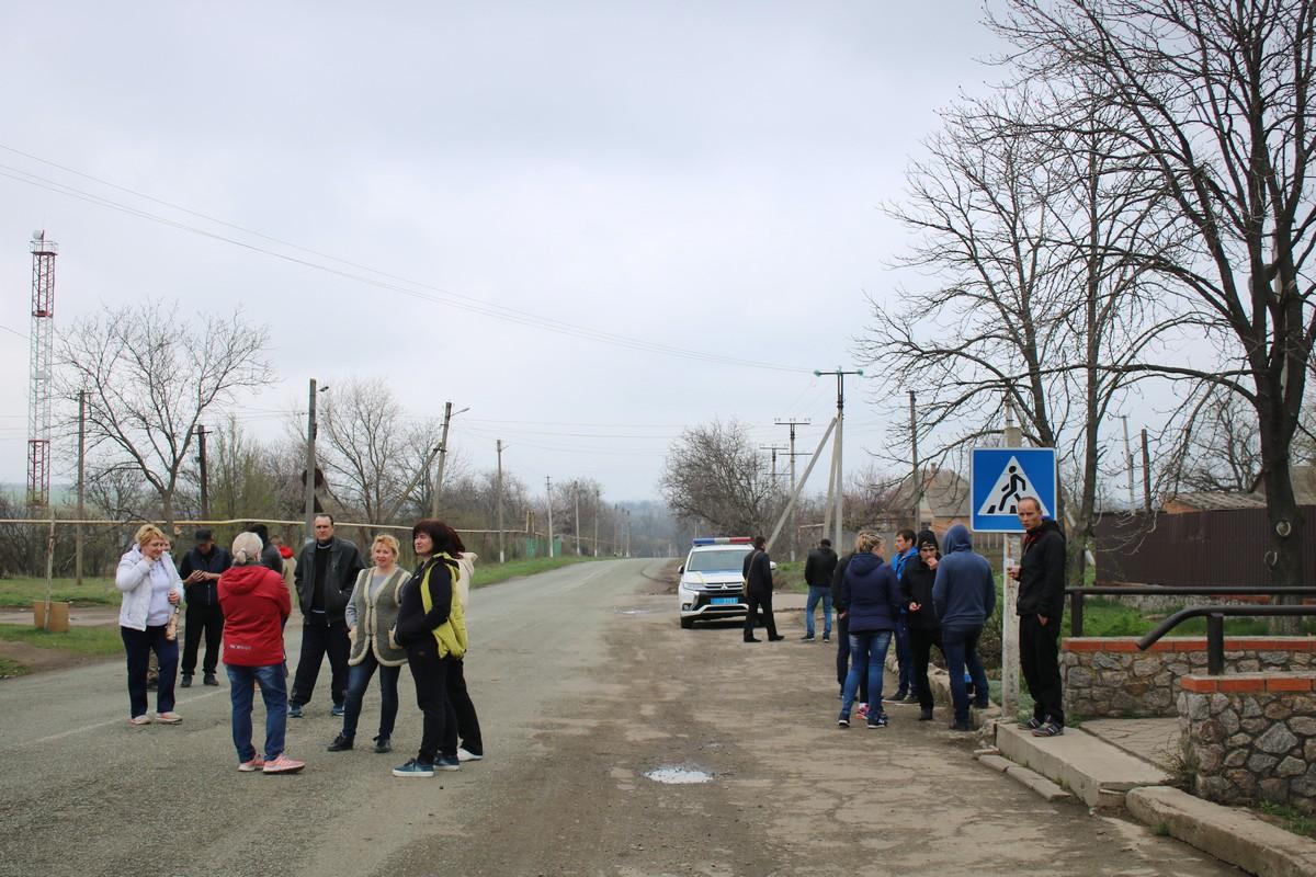 На проблемной дороге чиновники пообещали залатать ямы