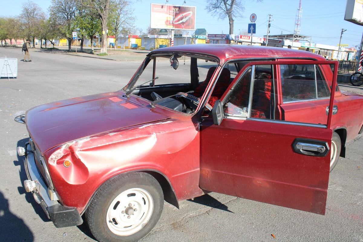Машина перевернулась и вылетело лобовое стекло