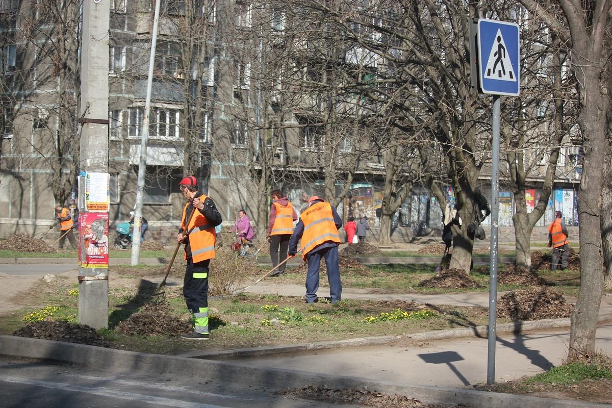 На улице Шевченко наводят порядок