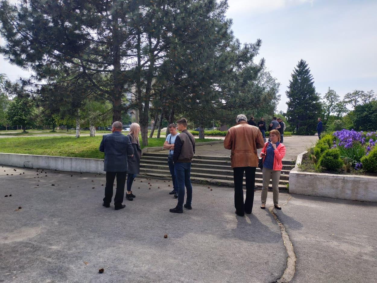 Сергей Кривонос покинул здание около 15:00, от комментариев отказался