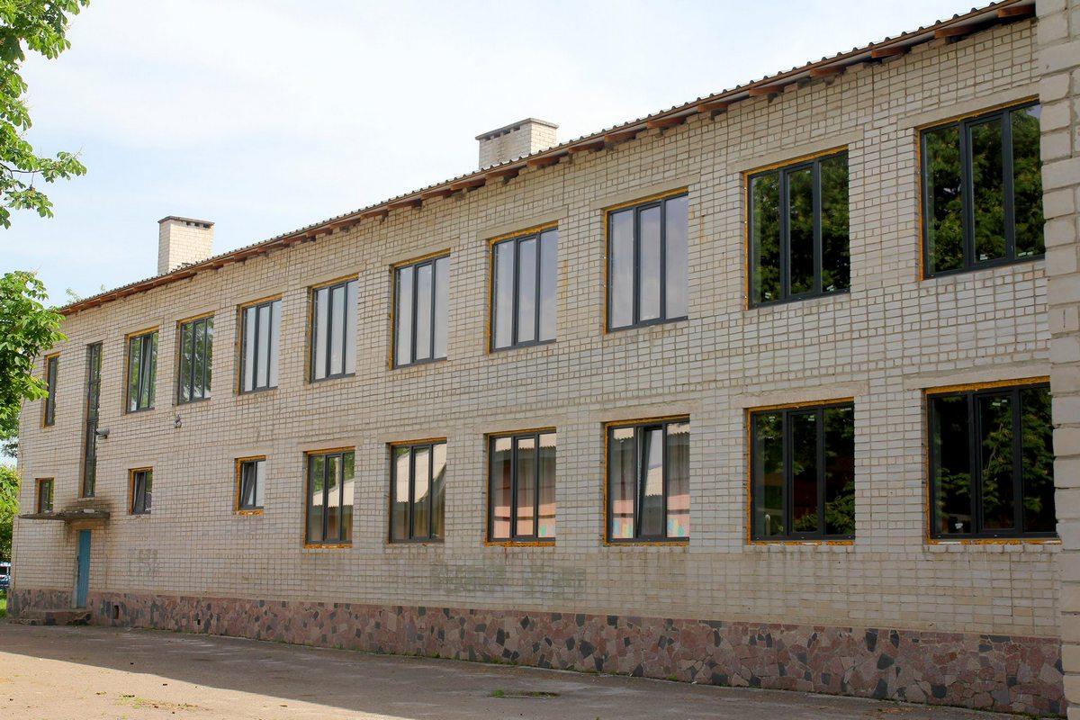 Апостоловская школа №3 состоит из трех корпусов