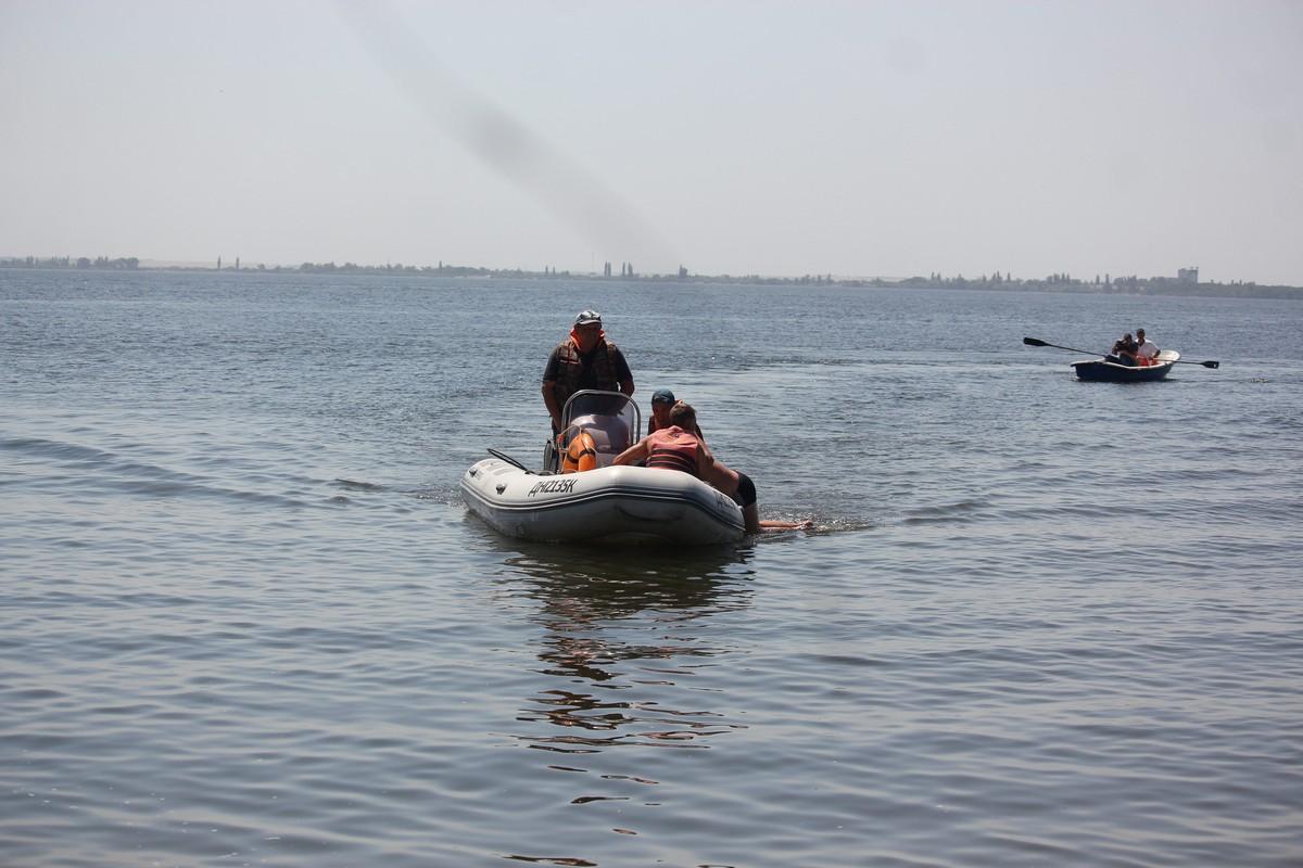 Менее минуты понадобилось, чтобы доставить утопающего на берег