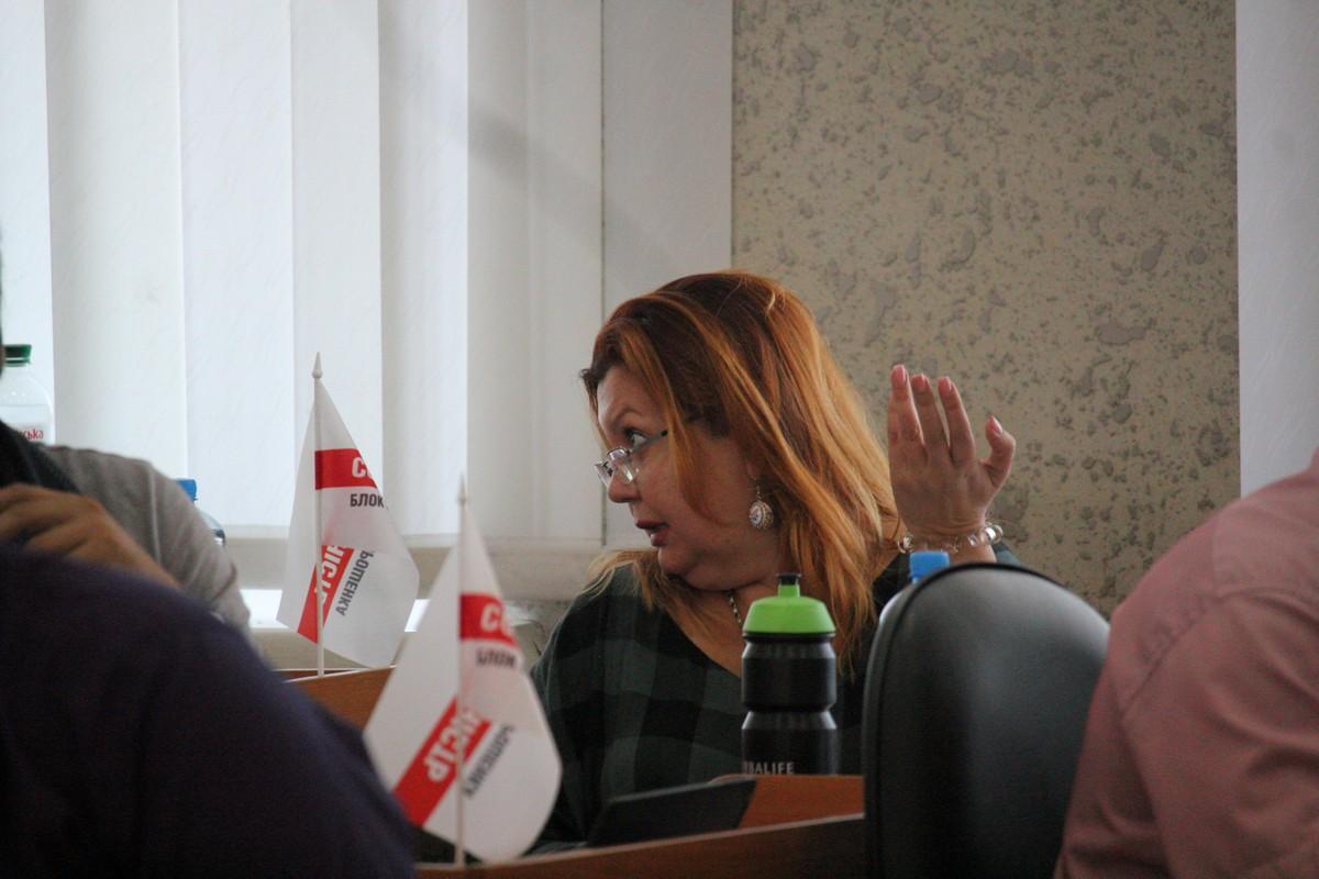 Депутаты дискутируют и принимают решения