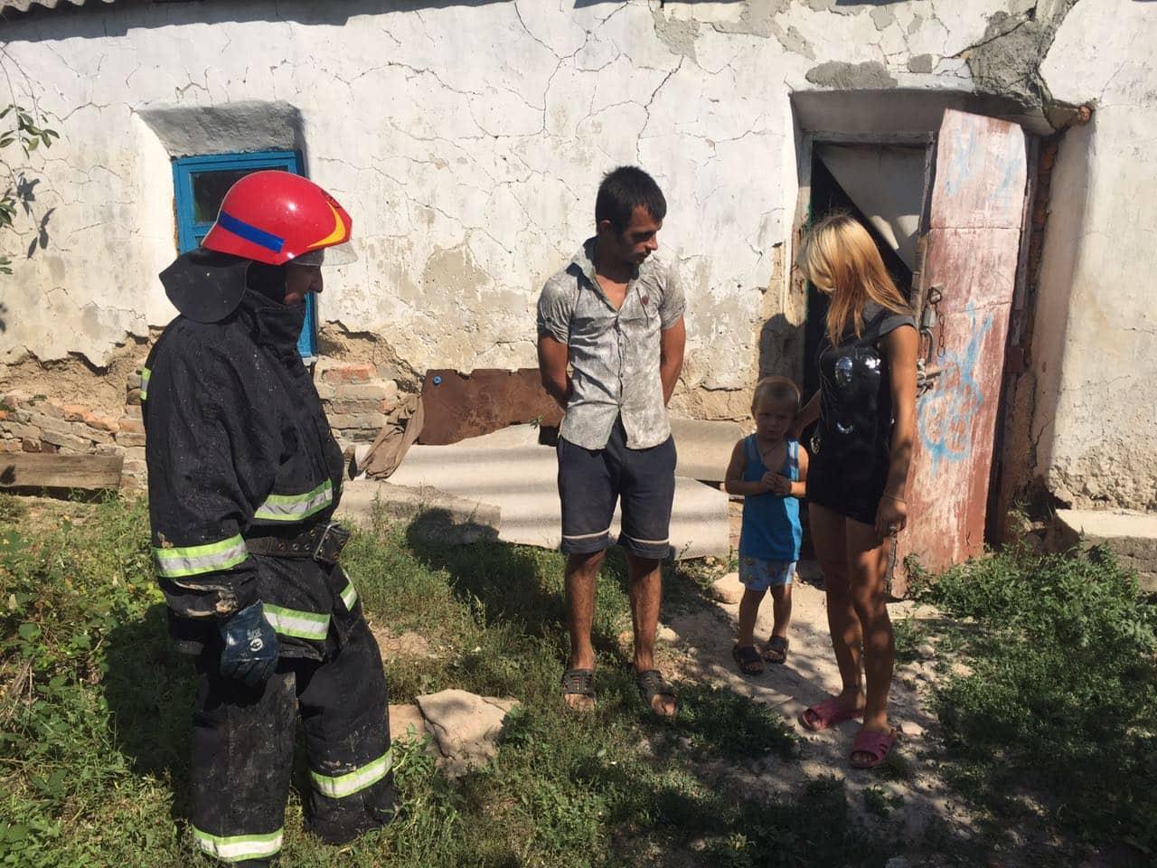 Из-за шалости детей со спичками в Томаковском районе случился пожар