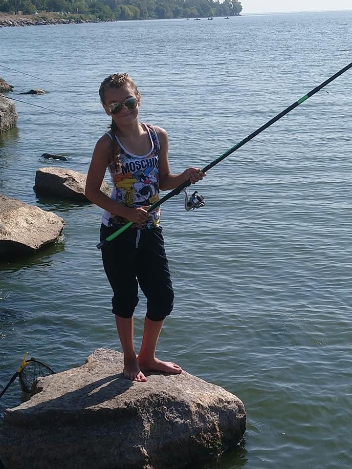 В Никополе прошел фестиваль по рыбной ловле среди детей