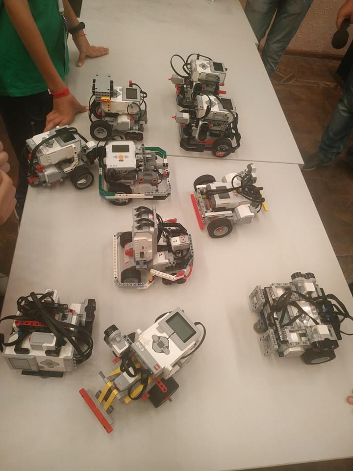 Роботы сконструированные участниками