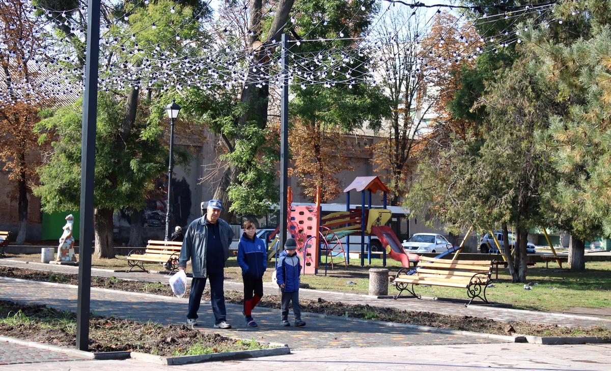 «Крылья Ники» украсили сквер в старой части города