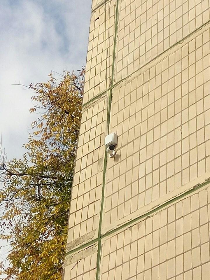В пяти школах Никополя установили камеры видеонаблюдения