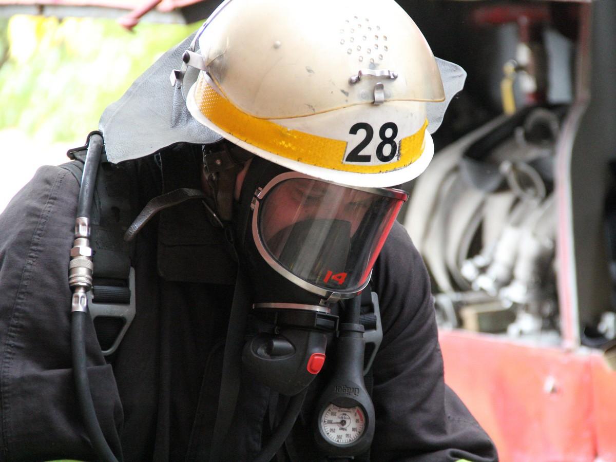 На место происшествия прибыли спасатели