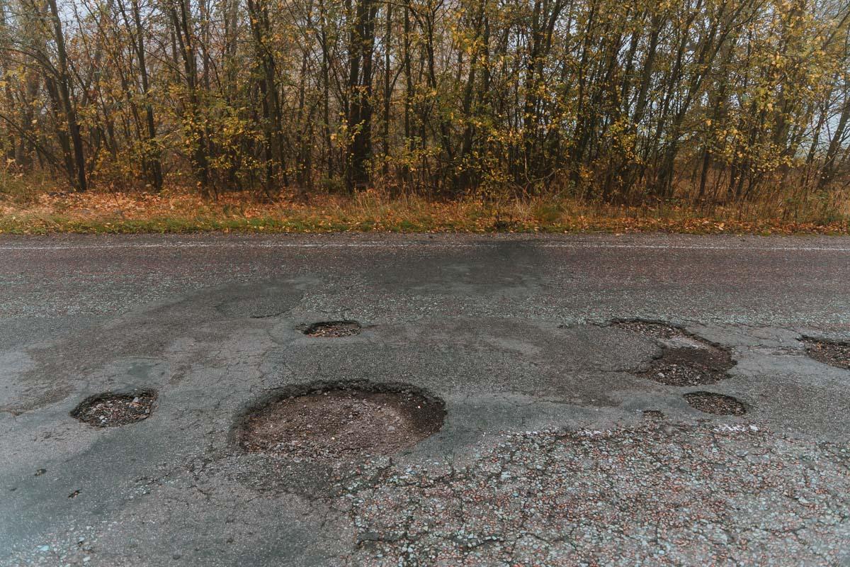 На трассе, как на Луне, всюду кратеры