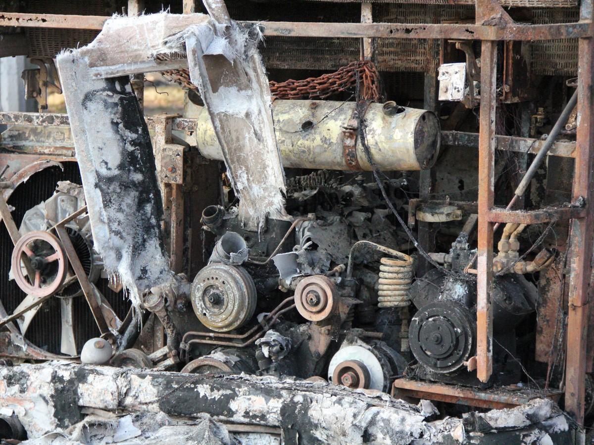 По предварительной информации - возгорание в моторном отсеке