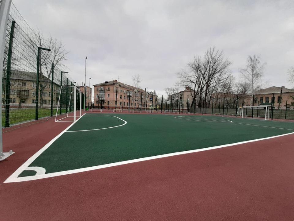 Соорудили летнюю площадку для различных видов спорта