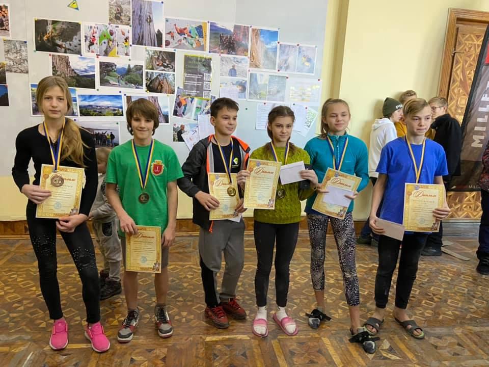 Чемпионы с медалями