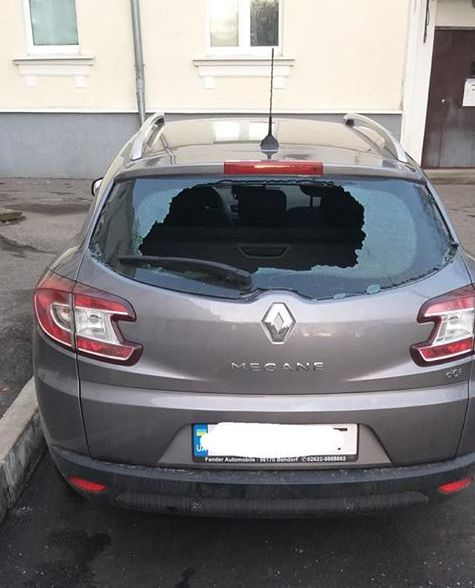 В Никополе обокрали авто: помогите найти строительный инструмент