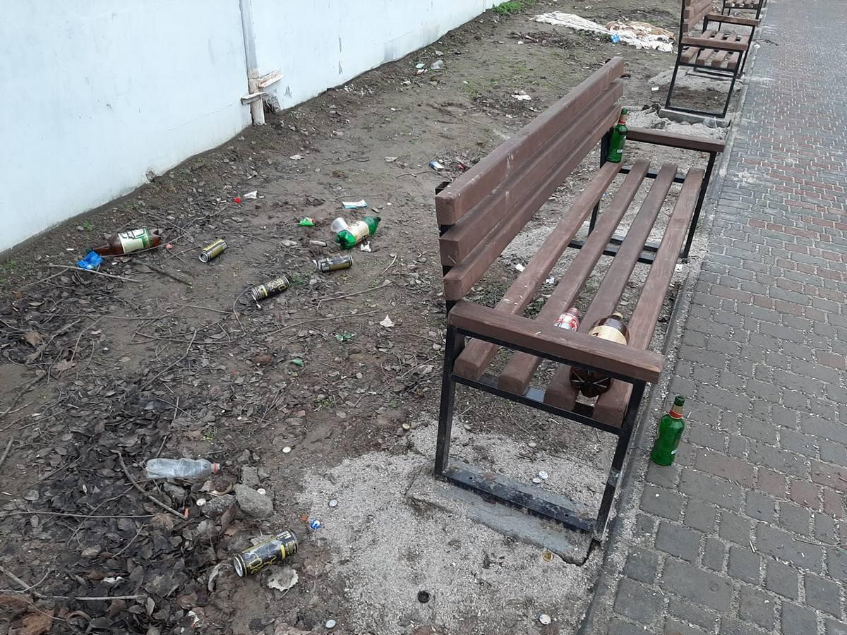 Вандали у Нікополі втратили голову