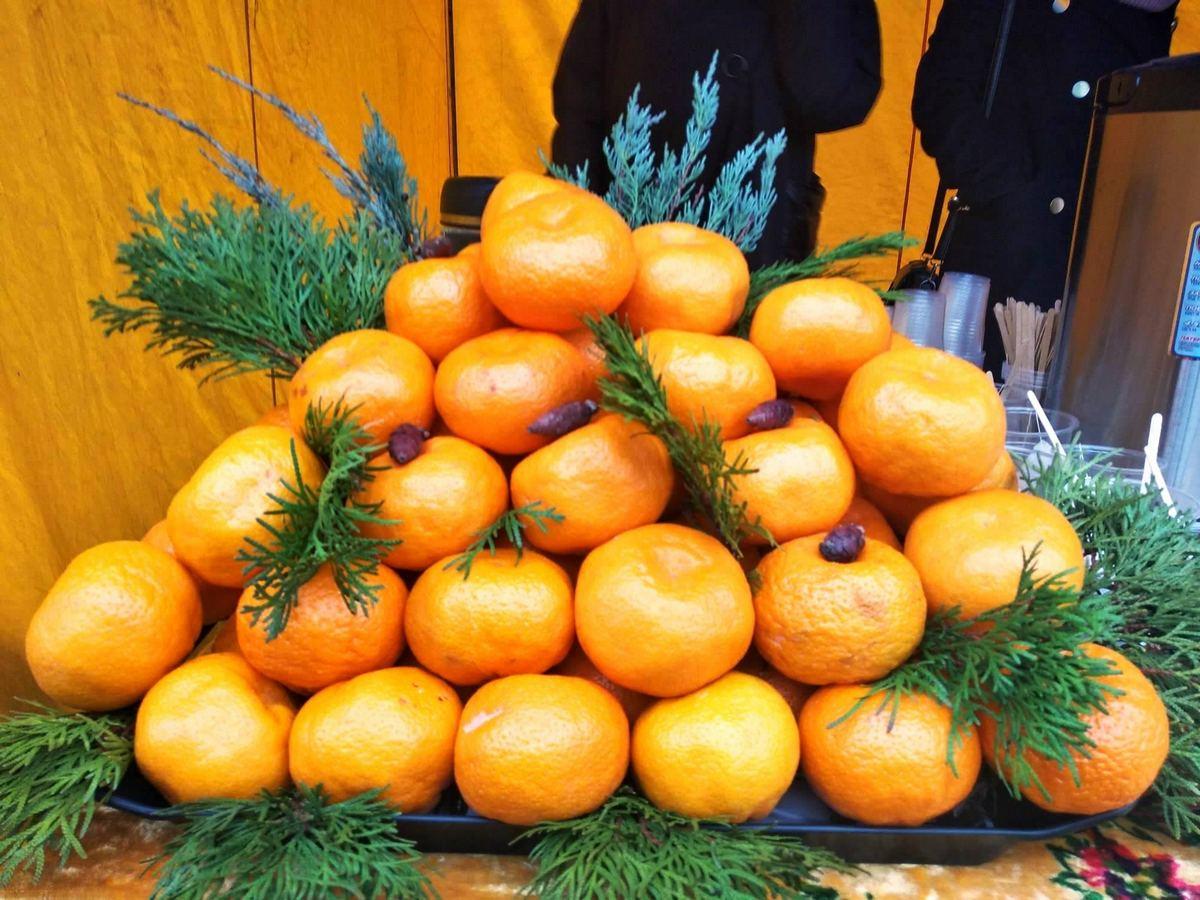 Безплатні мандарини у Марганці для вас