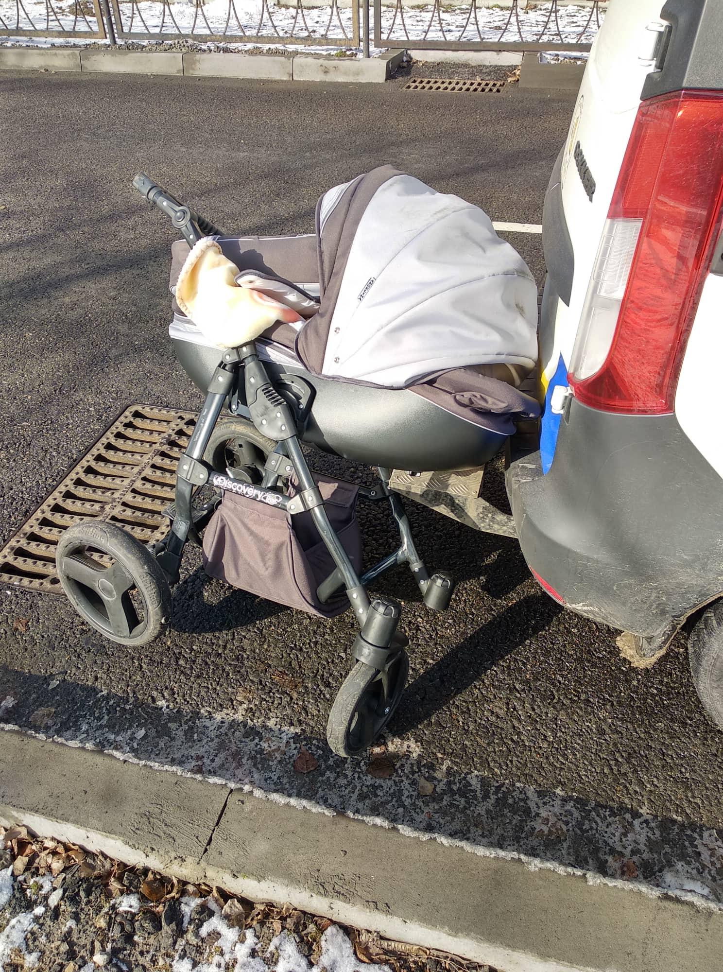 """В Энергодаре на """"зебре"""" водитель сбил детскую коляску с ребенком"""