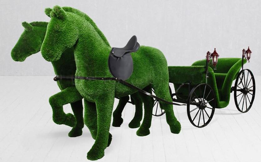 Лошадки и карета