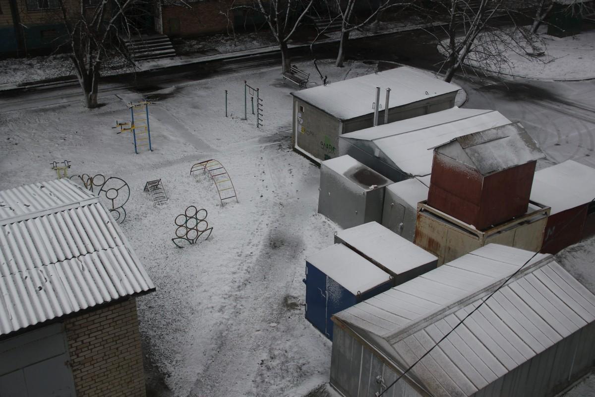 Белые крыши, как чистый лист бумаги