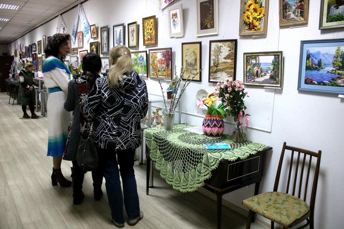 Жіноче свято: виставка в Нікополі (фото)