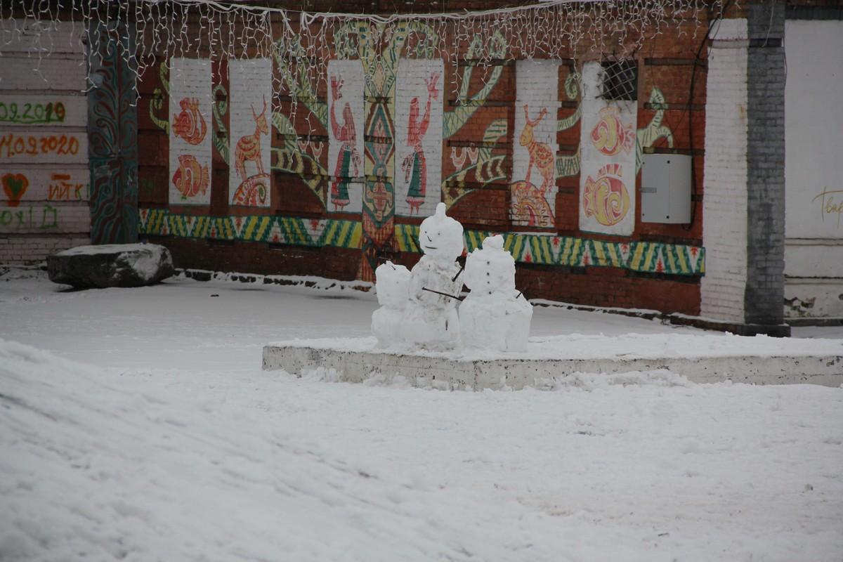 Снеговики на Европейской площади