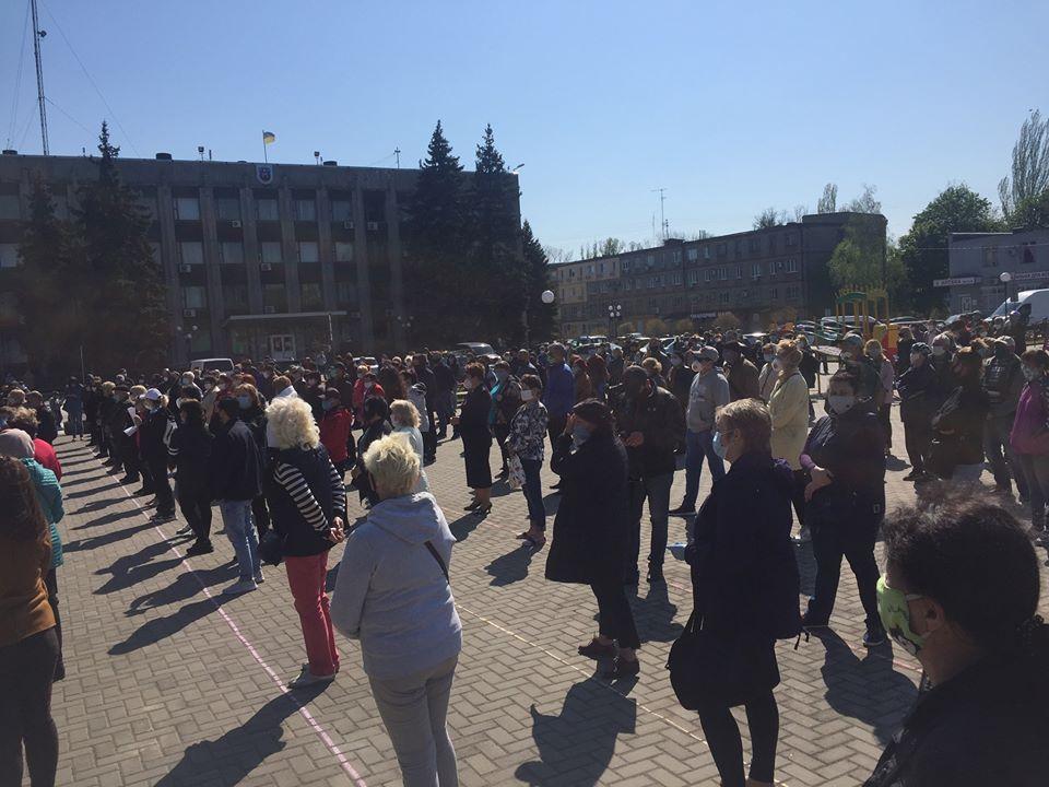Жители Покрова вышли на митинг в поддержку своего мэра