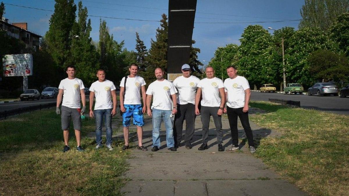 Команда БФ «Будущее Никопольщины» вместе с Русланом Олейником