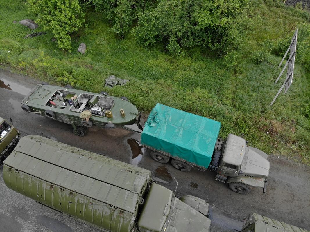 Військова техніка приїхала до Нікополя