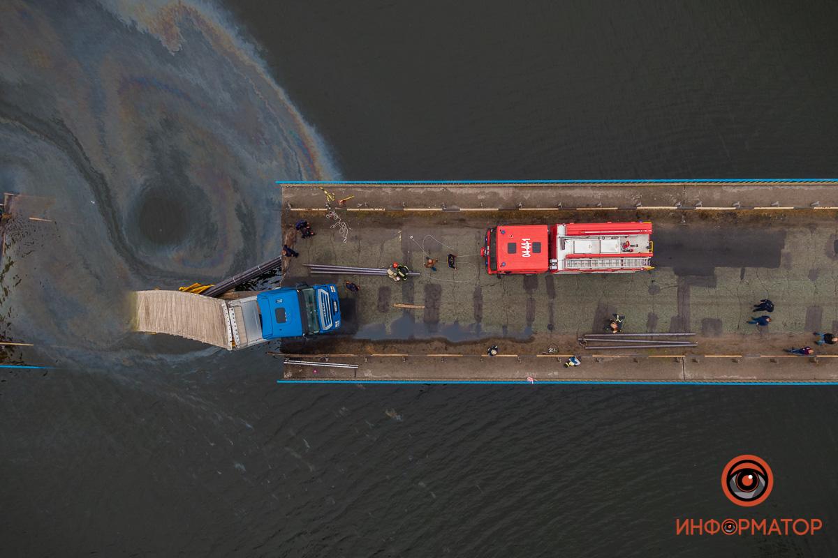 Плавучий кран не придет, пока не исследуют уровень глубины