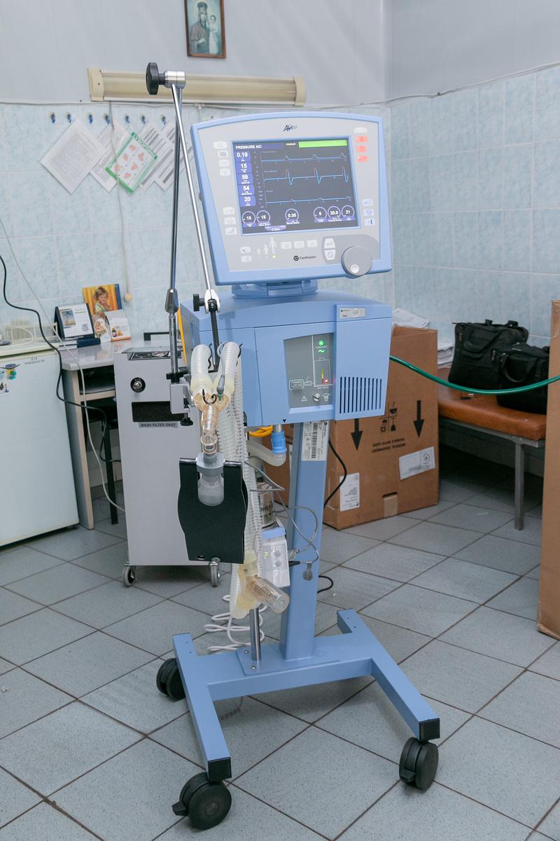 КП «Никопольская городская больница №1» получила два современных американских аппарата ИВЛ