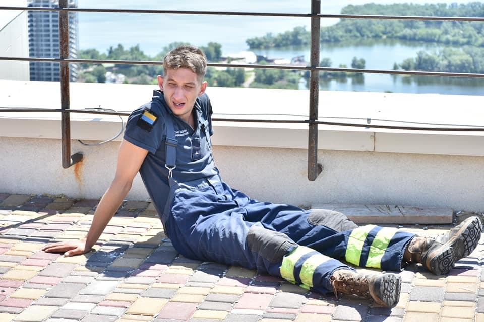Впервые в Днепре стартовали соревнования среди пожарных-спасателей по скоростному подъему