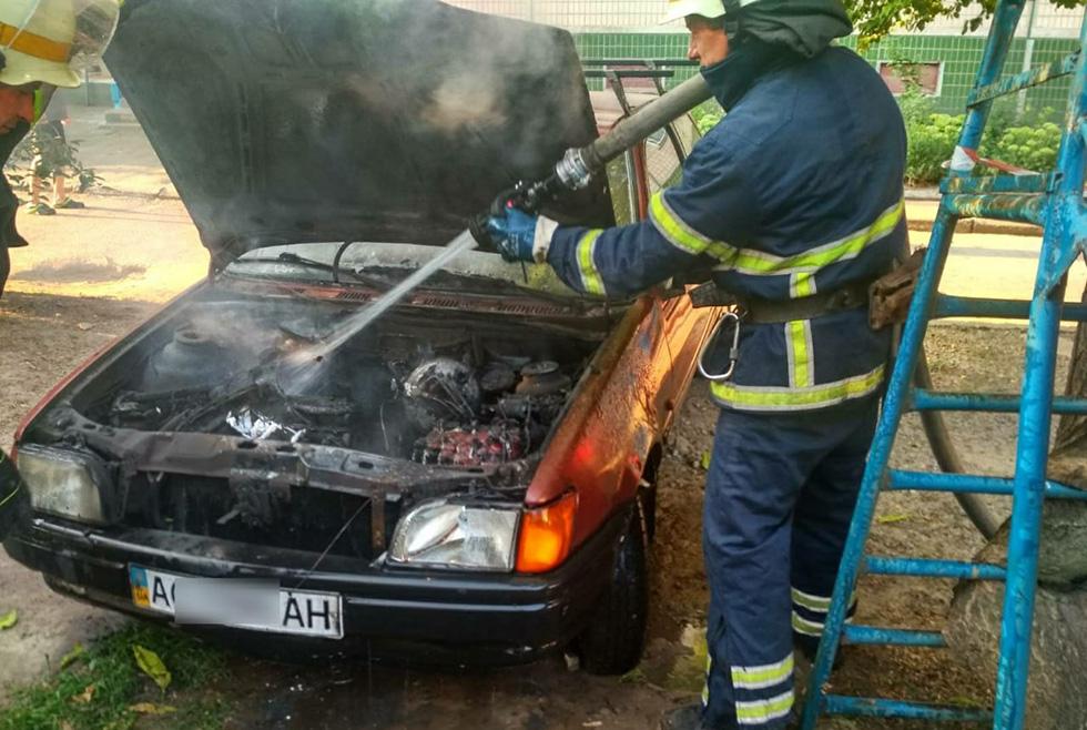 Возгорание случилось в моторном отсеке