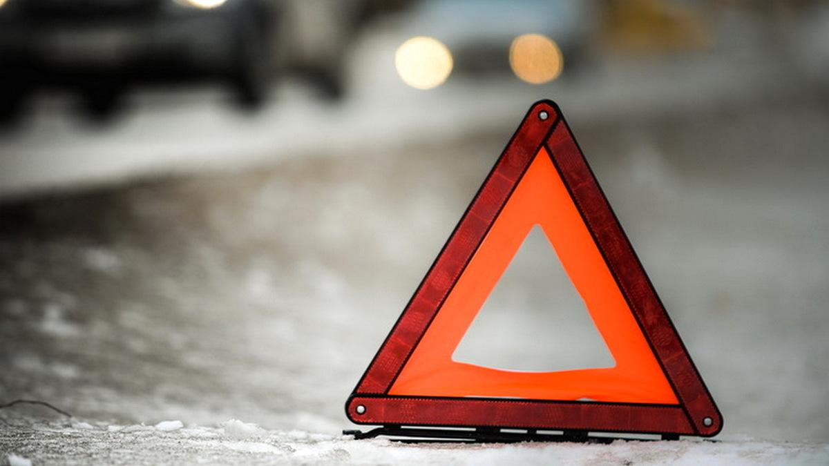 В Никополе велосипедиста на светофоре сбил ВАЗ-2115, фото-1