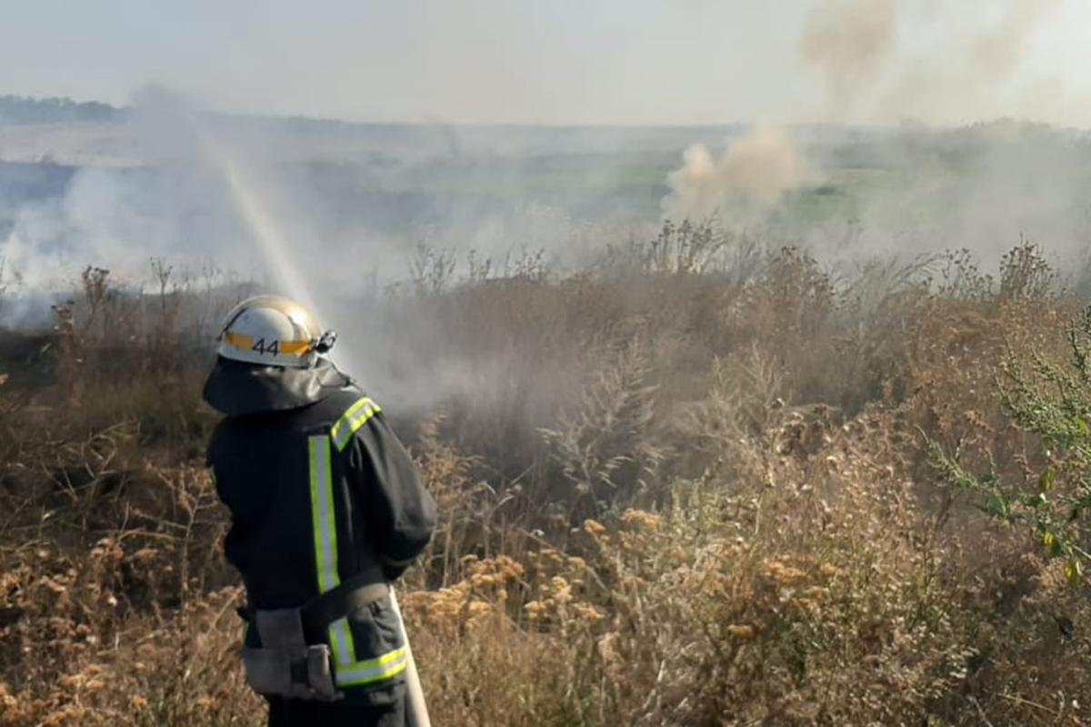 В Апостоловском районе пожар тушили пять часов