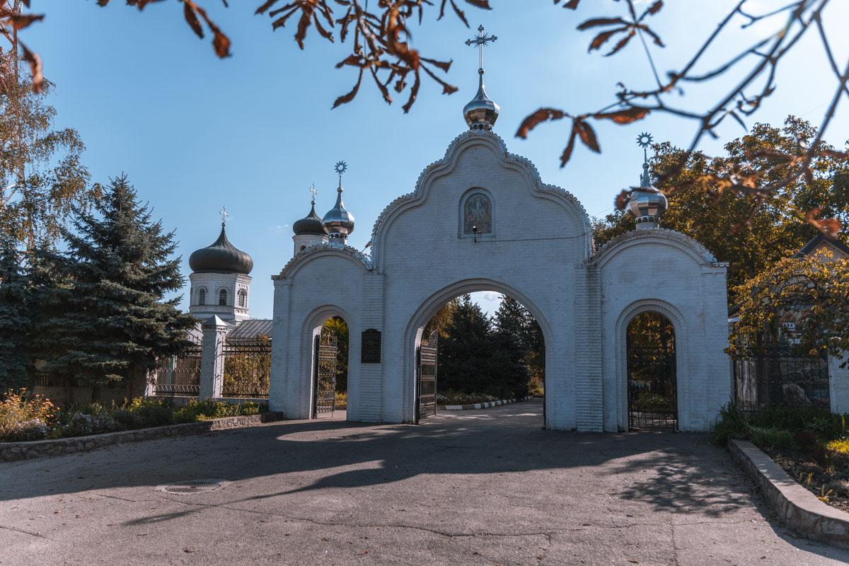 За время своего существования храм дважды закрывали