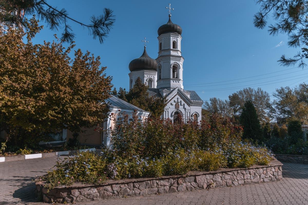 Двери Спасо-Преображенского собора для прихожан были открыты 30 лет назад