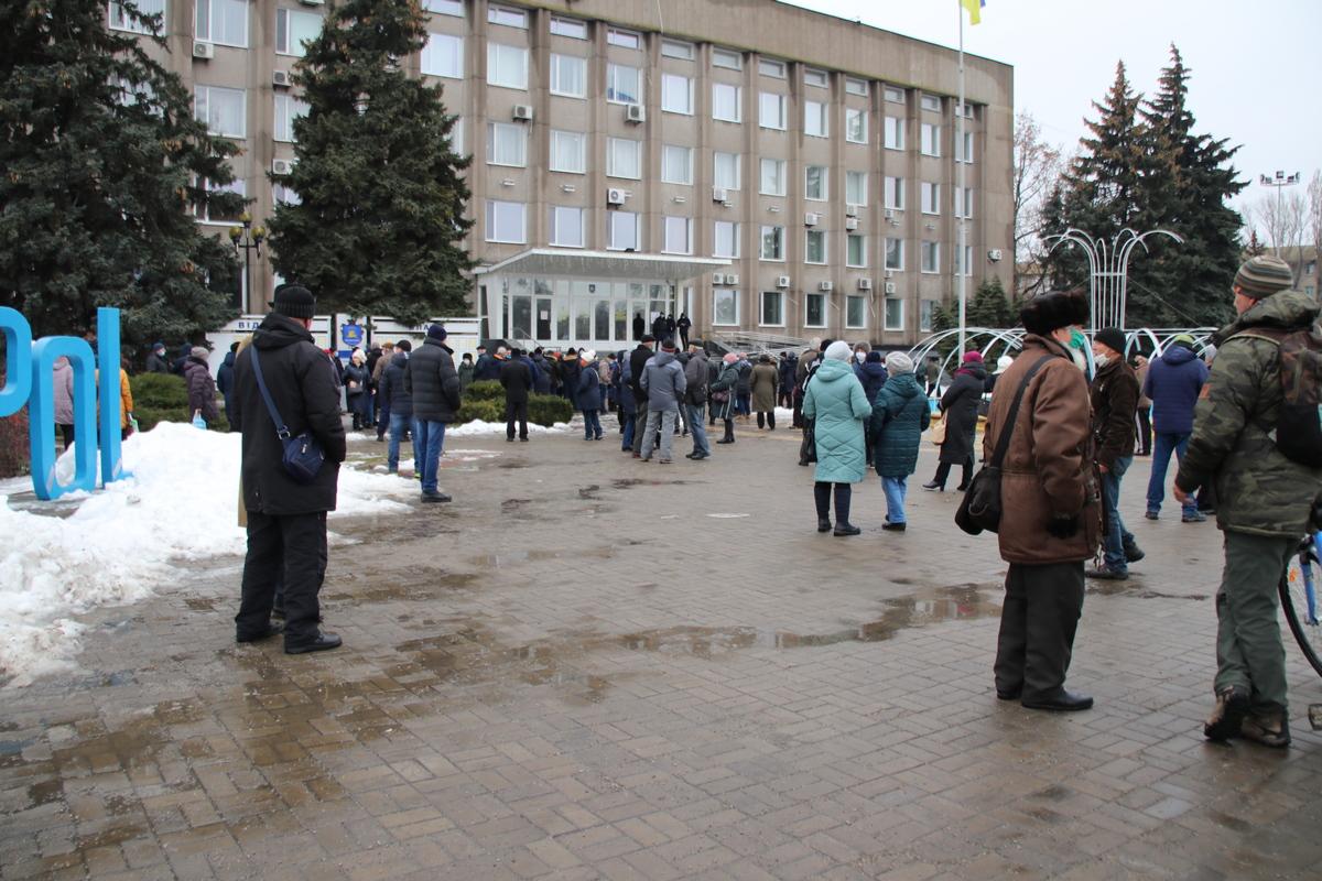 Жители Никополя снова вышли на митинг