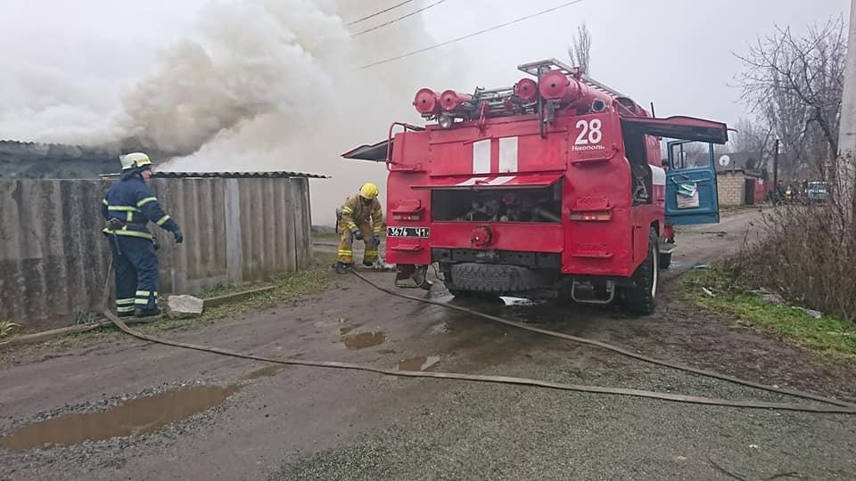 Хозпостройка горела в Никополе на улице Севастопольская, фото-2