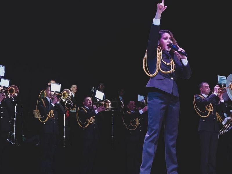 Солистка военного оркестра 194-го понтонно-мостового полка