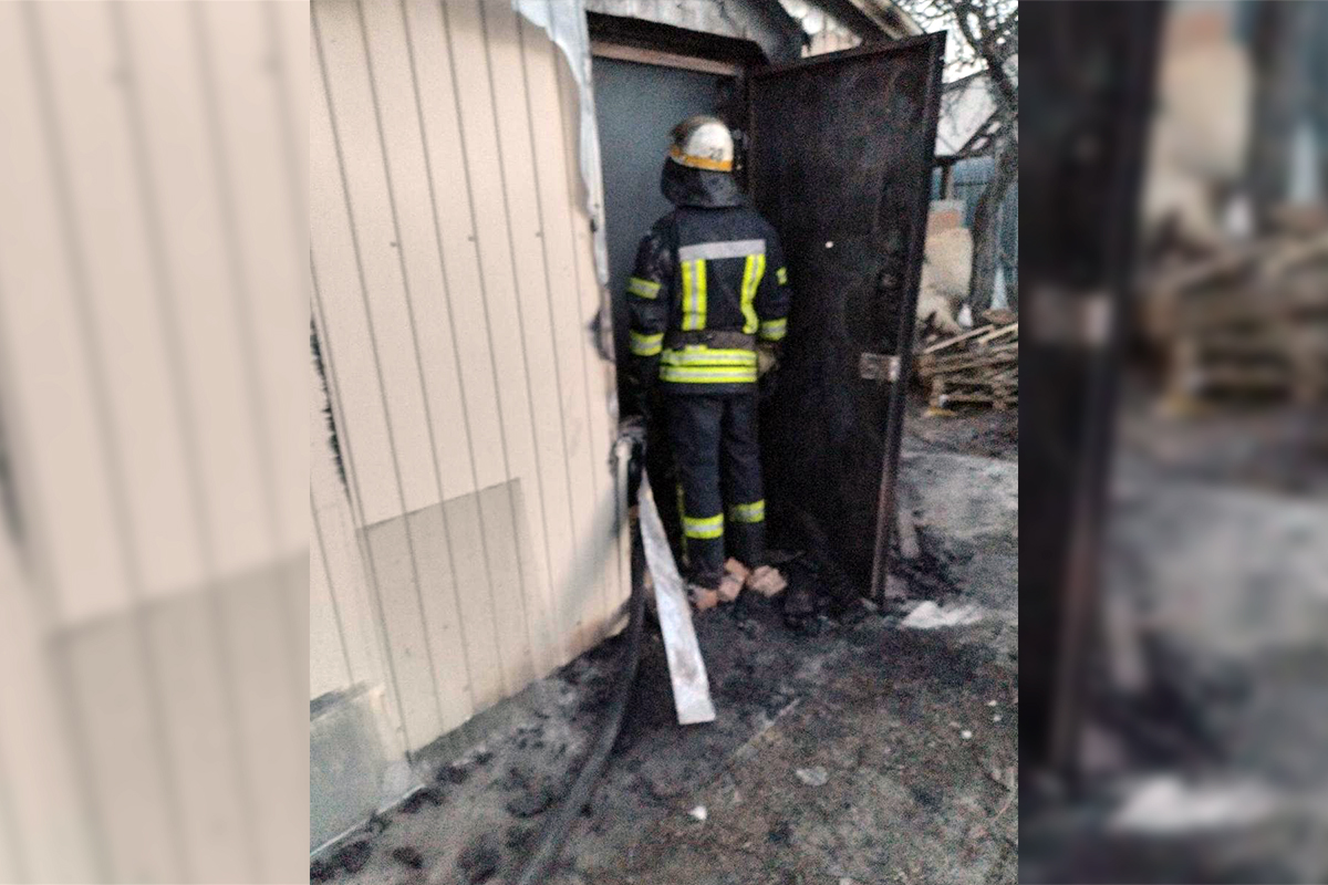 В Чкалово горели два сооружения