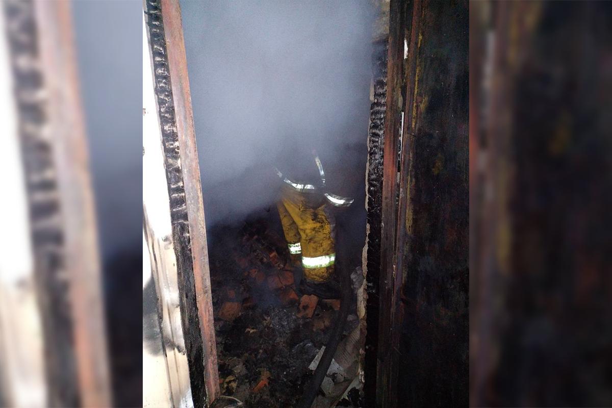Пожар тушили почти три часа