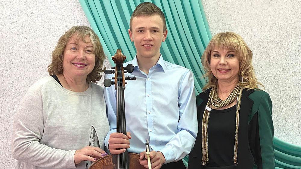 Юный виолончелист из Энергодара победил на фестивале в Лос-Анджелесе