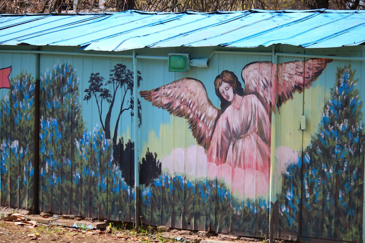 Мурал нарисовали по инициативе настоятеля храма