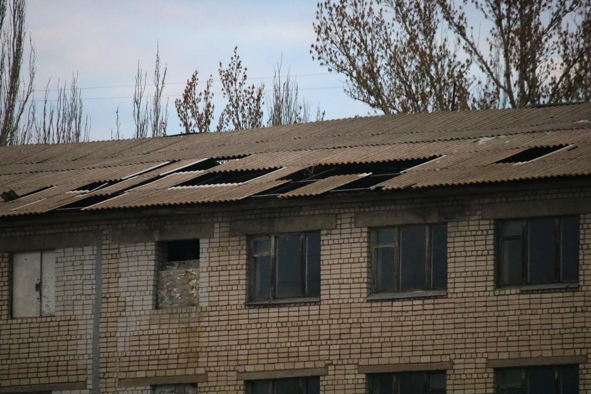 Аварийная крыша в центре города
