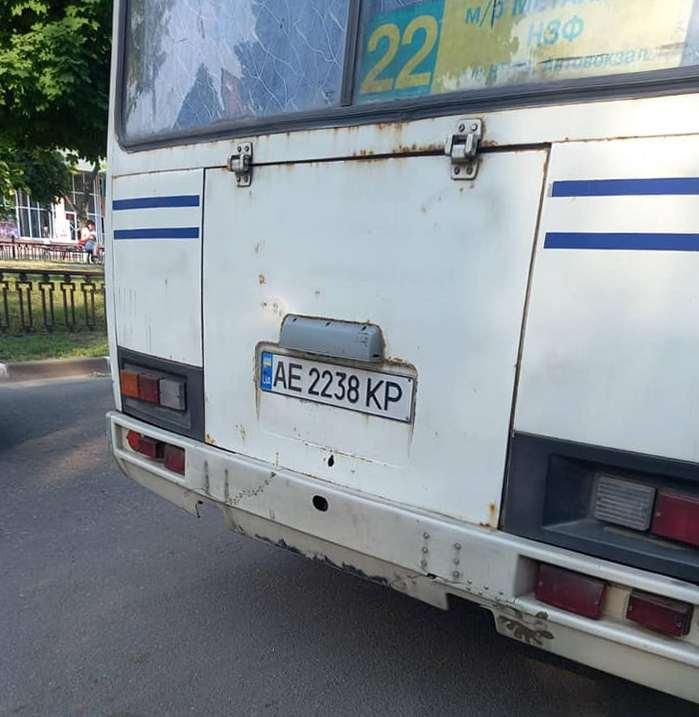 В Никополе пассажирка автобуса получила травмы из-за резкого торможения транспорта