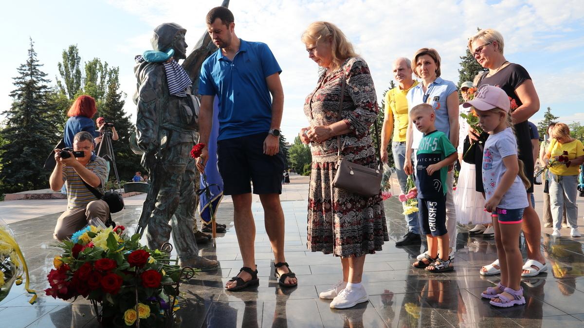 Память погибших десантников почтили в Никополе, фото-1