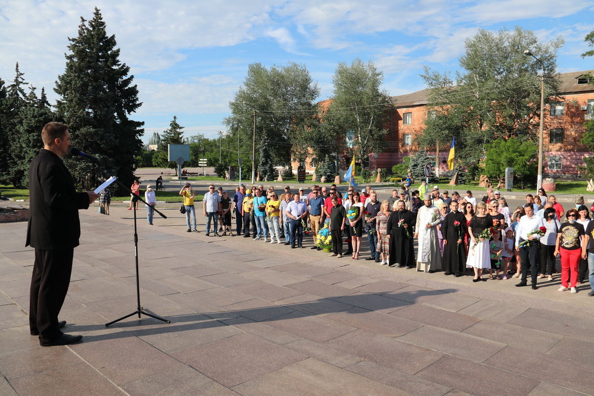 В Никополе почтили память погибших десантников
